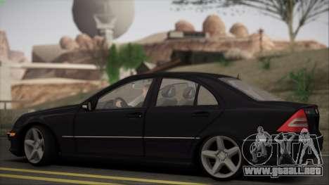 Mercedes-Benz C32 W203 2004 para GTA San Andreas vista hacia atrás