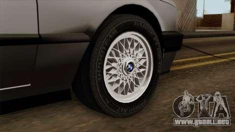 BMW 325i para GTA San Andreas vista posterior izquierda