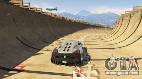 GTA 5 Maze Bank Mega Spiral Ramp quinta captura de pantalla