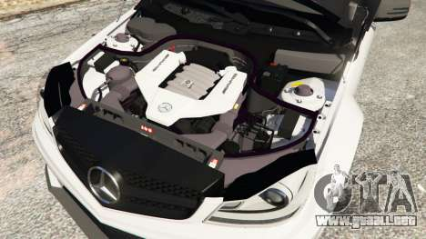 GTA 5 Mercedes-Benz C63 AMG 2012 vista lateral derecha