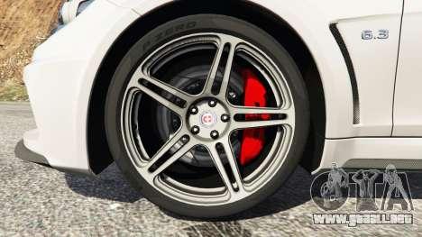 GTA 5 Mercedes-Benz C63 AMG 2012 vista lateral trasera derecha