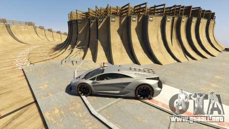GTA 5 Maze Bank Mega Spiral Ramp segunda captura de pantalla