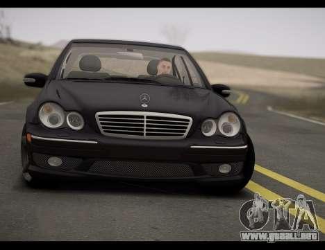 Mercedes-Benz C32 W203 2004 para GTA San Andreas vista posterior izquierda