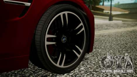 BMW M4 Coupe 2015 Walnut Wood para GTA San Andreas vista posterior izquierda