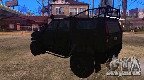Komatsu LAV 4x4 Unarmed para GTA San Andreas left