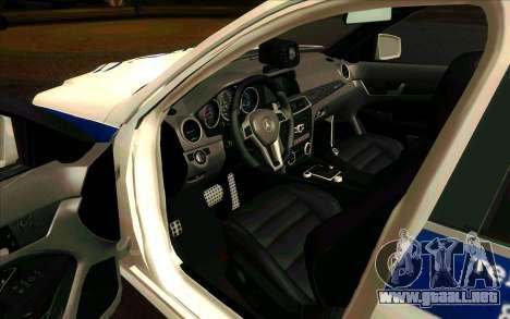 Mercedes-Benz C63 AMG ДПС para GTA San Andreas left