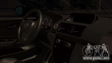 BMW 1M E82 with Sunroof para la visión correcta GTA San Andreas