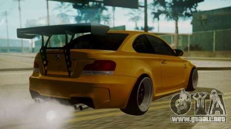 BMW 1M E82 without Sunroof para GTA San Andreas left