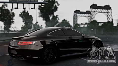 Mercedes-Benz S63 Coupe AMG 2015 para GTA 4 left