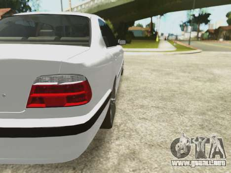 BMW 750i para la vista superior GTA San Andreas