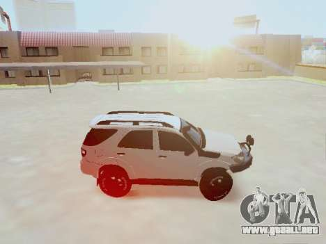 Toyota Fortuner 2012 TRD Off-Road para GTA San Andreas left