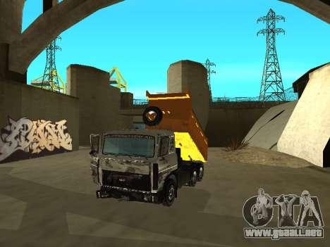 MAZ 551605-221-024 para GTA San Andreas vista hacia atrás