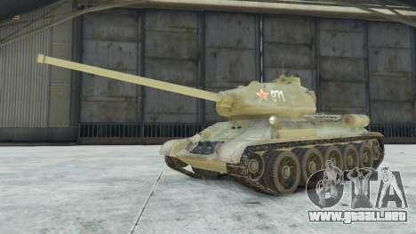 GTA 5 T-34-85 vista lateral derecha