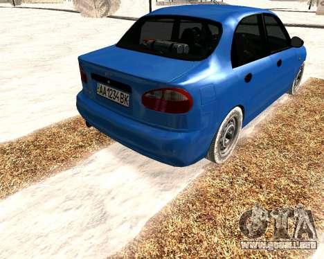 Daewoo Lanos 2001 Winter para la visión correcta GTA San Andreas