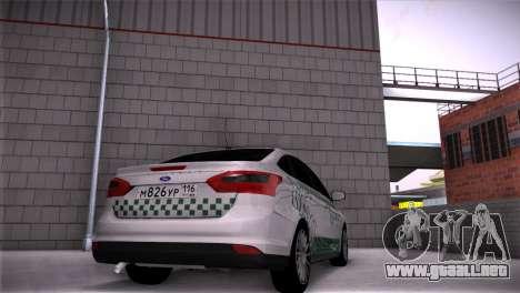 Ford Focus Taxi Tatarstán para GTA San Andreas left