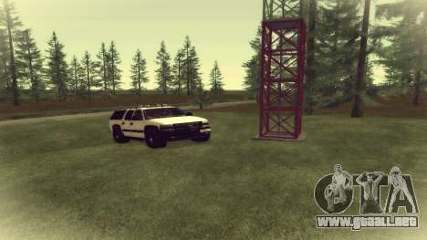 Chevrolet Suburban Offroad Final Version para GTA San Andreas left