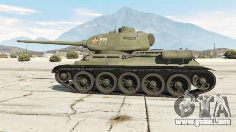 GTA 5 T-34-85 vista lateral trasera derecha