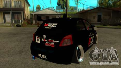 Toyota Yaris (Vitz) [Black Car Community] para la visión correcta GTA San Andreas