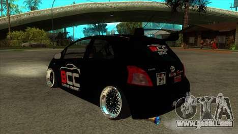 Toyota Yaris (Vitz) [Black Car Community] para GTA San Andreas vista posterior izquierda