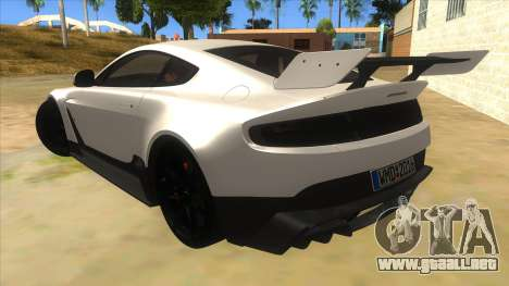 2015 Aston Martin Vantage GT12 para GTA San Andreas vista posterior izquierda