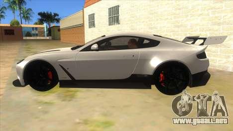 2015 Aston Martin Vantage GT12 para GTA San Andreas left