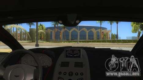 2015 Aston Martin Vantage GT12 para visión interna GTA San Andreas