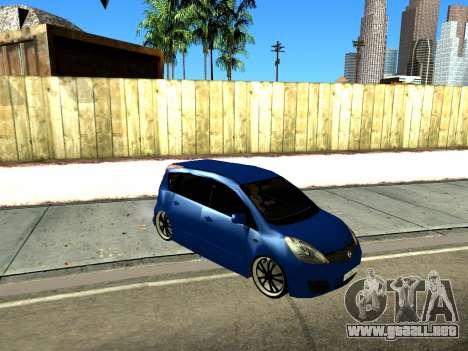 Nissan Note KURMIN StreetRacer para GTA San Andreas left