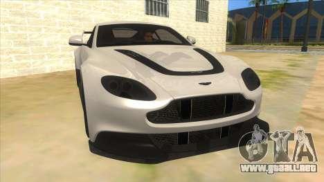 2015 Aston Martin Vantage GT12 para GTA San Andreas vista hacia atrás
