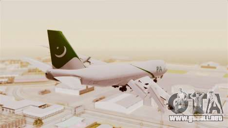 Boeing 747-200 Pakistan International para GTA San Andreas left