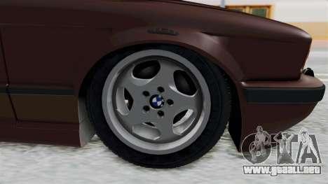 BMW 525i E34 1994 SA Plate para GTA San Andreas vista hacia atrás
