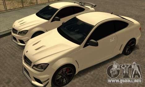 Mercedes-Benz C63 AMG Black-series para visión interna GTA San Andreas