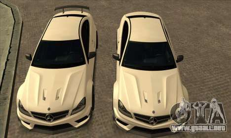 Mercedes-Benz C63 AMG Black-series para vista lateral GTA San Andreas