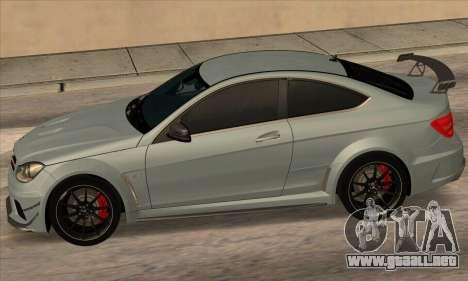 Mercedes-Benz C63 AMG Black-series para la visión correcta GTA San Andreas