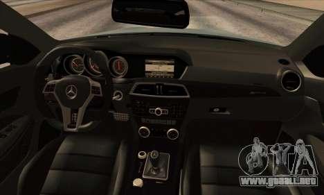 Mercedes-Benz C63 AMG Black-series para GTA San Andreas vista hacia atrás