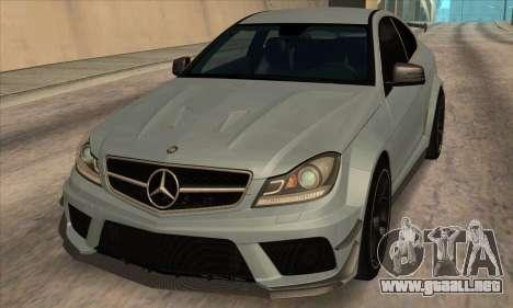 Mercedes-Benz C63 AMG Black-series para GTA San Andreas left