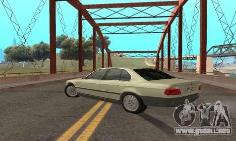 BMW 730 para GTA San Andreas vista hacia atrás