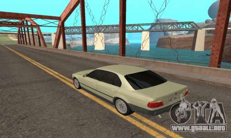 BMW 730 para GTA San Andreas left