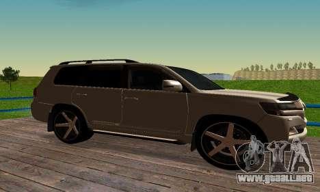 Toyota Land Cruiser 200 para GTA San Andreas vista hacia atrás