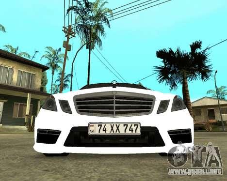Mercedes-Benz E250 Armenian para GTA San Andreas left