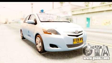 Toyota Vios 2008 Taxi Blue Bird para la visión correcta GTA San Andreas