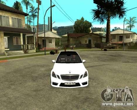 Mercedes-Benz E250 Armenian para GTA San Andreas vista posterior izquierda