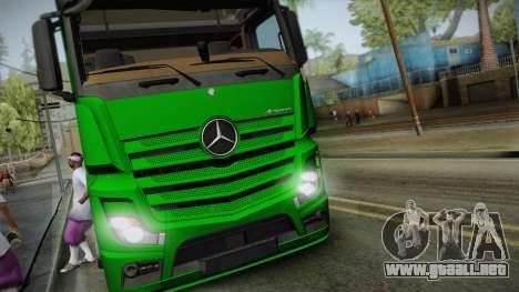 Mercedes-Benz Actros Mp4 6x2 v2.0 Gigaspace v2 para GTA San Andreas vista posterior izquierda