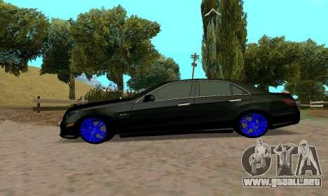 Mercedes-Benz E63 para la visión correcta GTA San Andreas