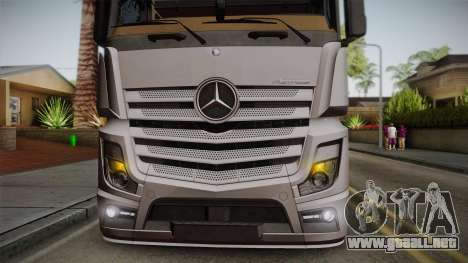 Mercedes-Benz Actros Mp4 4x2 v2.0 Steamspace v2 para GTA San Andreas vista hacia atrás