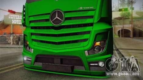 Mercedes-Benz Actros Mp4 4x2 v2.0 Gigaspace para GTA San Andreas vista hacia atrás