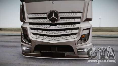 Mercedes-Benz Actros Mp4 6x2 v2.0 Steamspace para GTA San Andreas vista hacia atrás