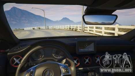 GTA 5 Mercedes-Benz A45 AMG Edition vista lateral derecha