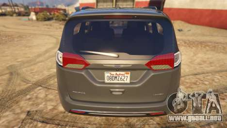 GTA 5 Chrysler Pacifica Limited 2017 vista trasera