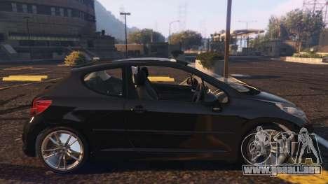 GTA 5 Peugeot 207 vista lateral izquierda