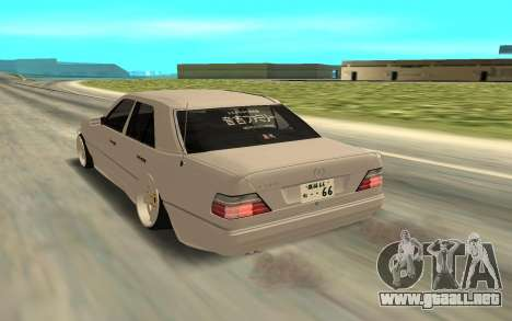 Mercedes-Benz 200 para GTA San Andreas left